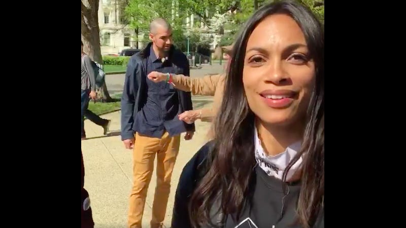 Illustration for article titled Rosario Dawson Arrested at Anti-Big Money Rally: 'We're Putting Ourselves On the Line'