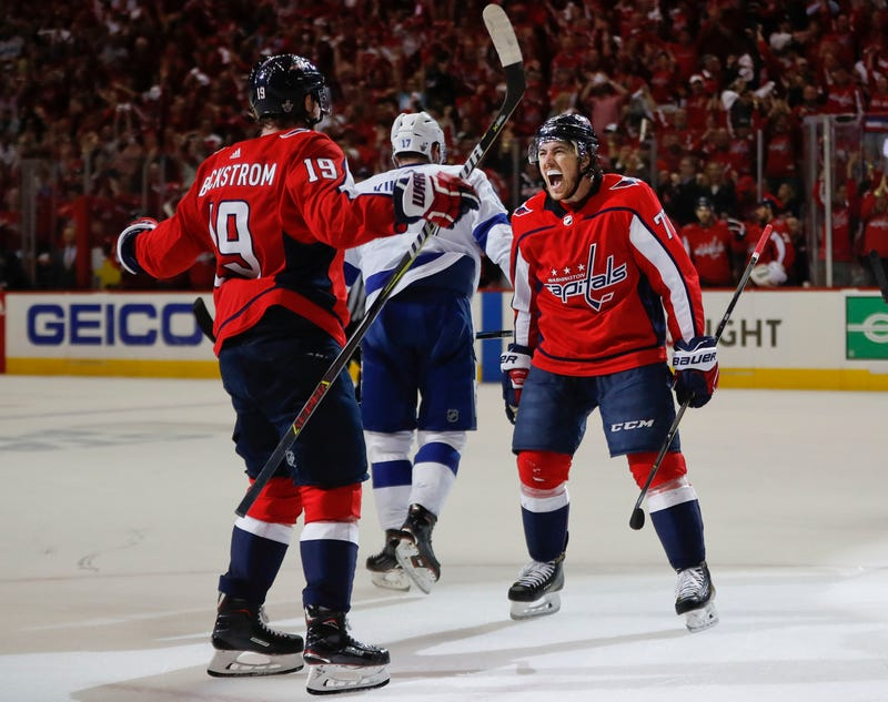 Illustration for article titled I'm In Awe Of This Nicklas Backstrom Pass