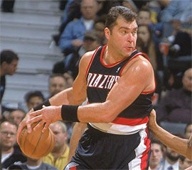 Illustration for article titled At Least Arvydas Sabonis Can Still Have Sex