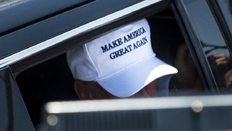 Illustration for article titled New York Post Editor Who Wears Trump's 'Make America Great Again' Hat in Newsroom to Retire
