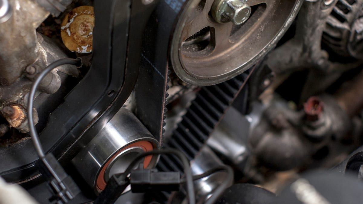 Heres What Happens When Your Timing Belt Snaps And How To Fix It Jeep Engine Failure