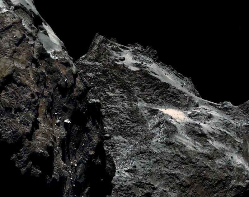 Illustration for article titled ESA announces comet landing site, shows spectacular photos