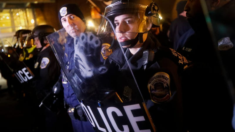 Riot police in Washington, D.C. ahead of Donald Trump's inauguration in January. Photo: AP