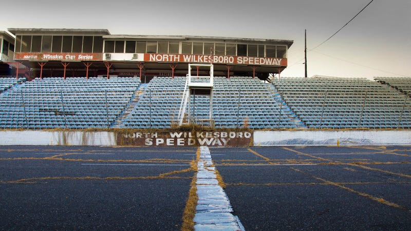 Illustration for article titled NASCAR's Original Racetrack Is an Abandoned Ruin Today
