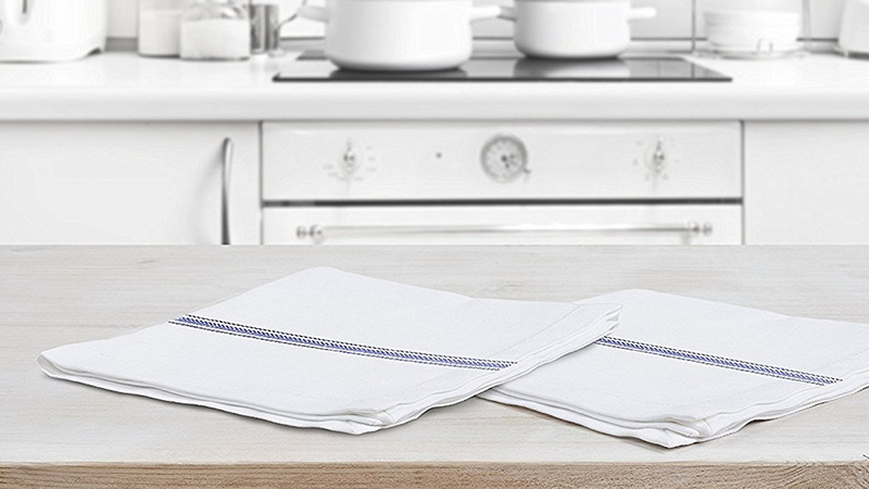 Royal Classic White Kitchen Towels | $12 | Amazon | Use code 66AJYOMK