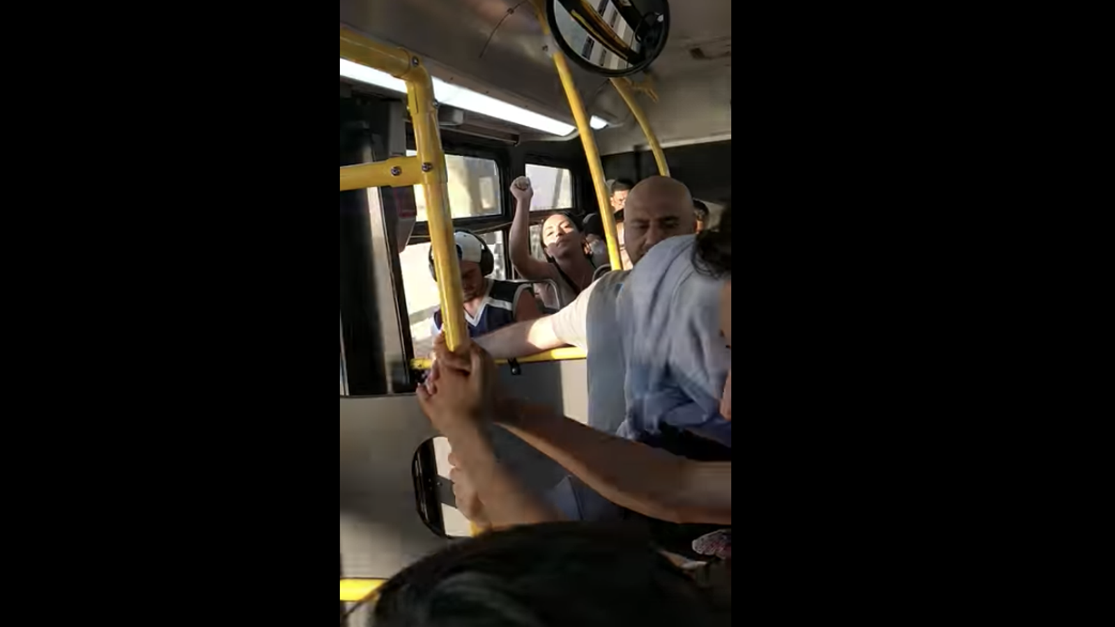 Woman Goes on Hate-Filled Anti-Muslim Rant on New York City Bus: 'ICE is Here For You'