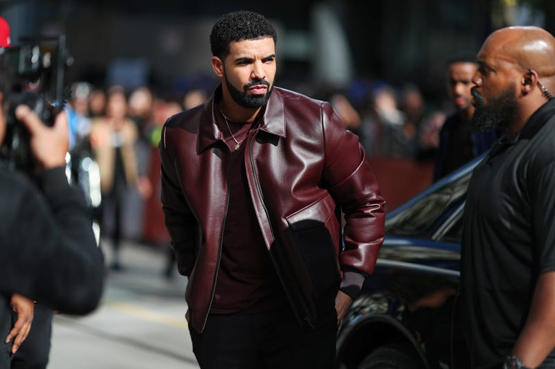 Illustration for article titled Drake Sues Layla Lace for Fraud, Extortion Over Pregnancy and Rape Claims
