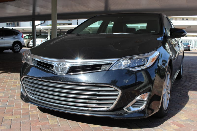 Illustration for article titled Backseat Rental Review: 2015 Toyota Avalon