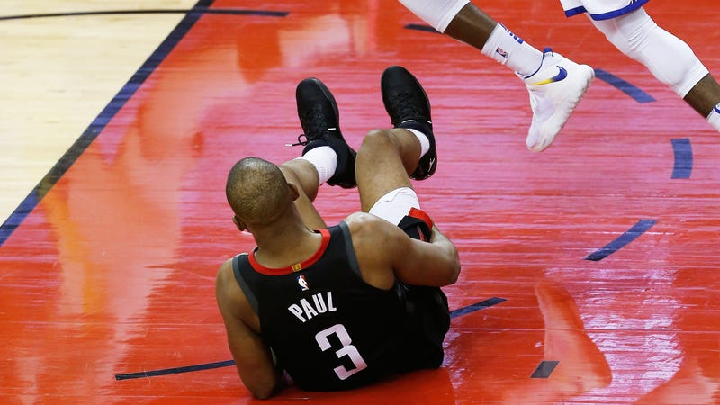 Illustration for article titled The Most Painful Thing For Chris Paul Is Having To Watch