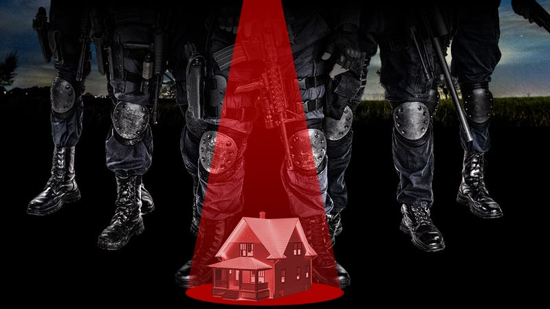 Illustration for article titled Call of Duty Couple Recounts Scary Night When SWAT Raided Their Home