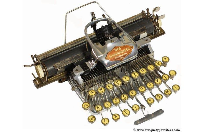 Illustration for article titled Algunas de las máquinas de escribir más antiguas y bonitas del mundo