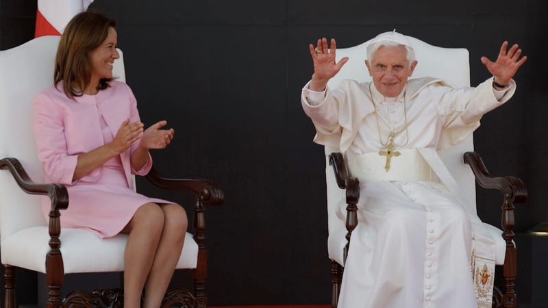 Illustration for article titled Pope Told to Stick 'Em Up in Mexico