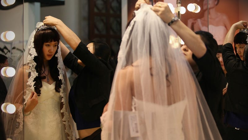 Today's a Lucky Day to Get Married in China