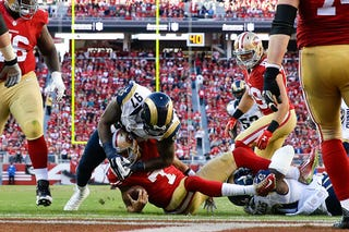 Illustration for article titled Colin Kaepernick's Fumble Was The Most Devastating Play Of Week 9