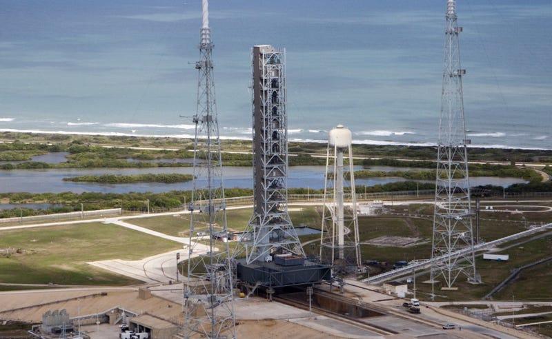 La torre móvil de lanzamiento antes de las modificaciones. (Foto: NASA)