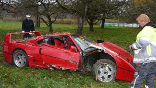 Illustration for article titled Ferrari F40 crash pictures are painful to look at