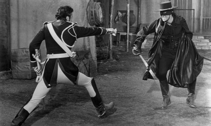 Illustration for article titled El guionista de Gravity, Jonás Cuarón, dirigirá una versión postapocalíptica de El Zorro