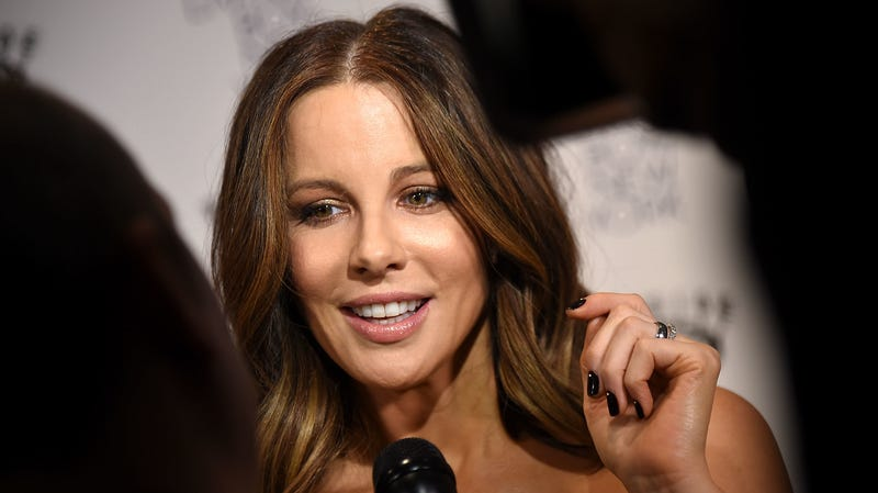 Illustration for article titled Fun Mom Kate Beckinsale Wants You to Know Her Daughter Is Not on Cocaine