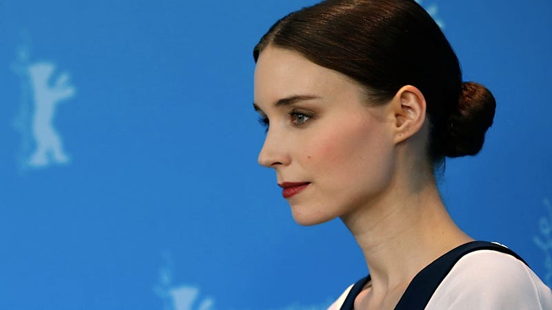 Rooney mara had a hard time looking at channing tatum in for Channing tatum tattoo side by side