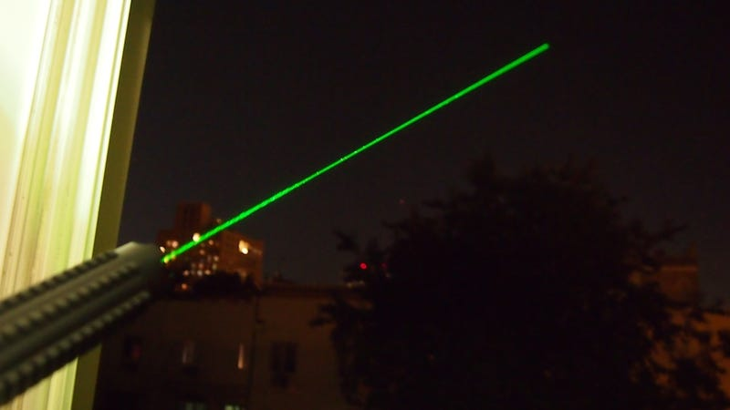 Illustration for article titled Wicked Laser S3 Krypton Lightning Review: Holy Christ Now It's Green and Goes Into Space