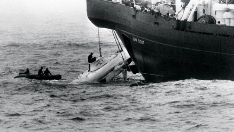 """""""Nos quedan 66 horas de vida y estamos a 500 metros de profundidad"""": el asombroso rescate delPisces III"""