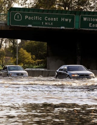 Illustration for article titled A Car Is Not An Ark: California Flooding Waterlogs Roadways