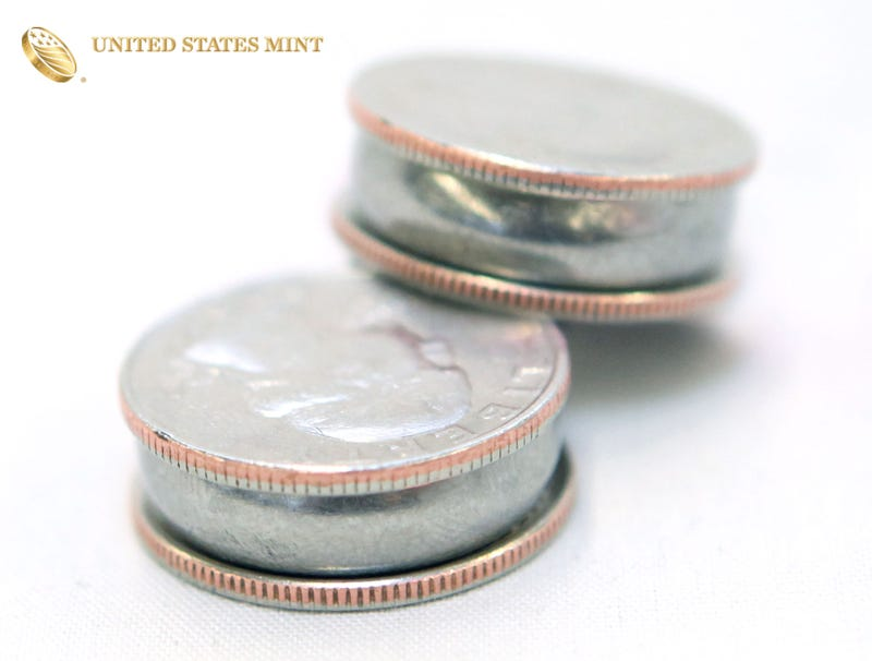 Illustration for article titled U.S. Mint Introduces New Double-Stuf Quarters
