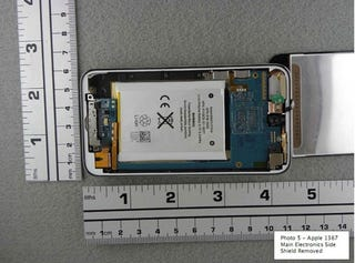 Illustration for article titled Apple's New iPod Touch Torn Apart By The FCC