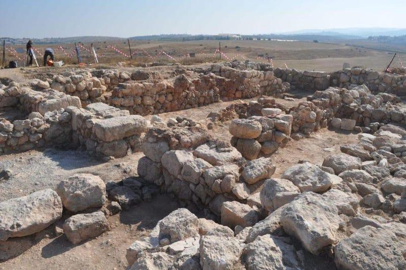Illustration for article titled Estas ruinas encontradas cerca de Jerusalén podrían probar que la antigua ciudad bíblica del rey David existió