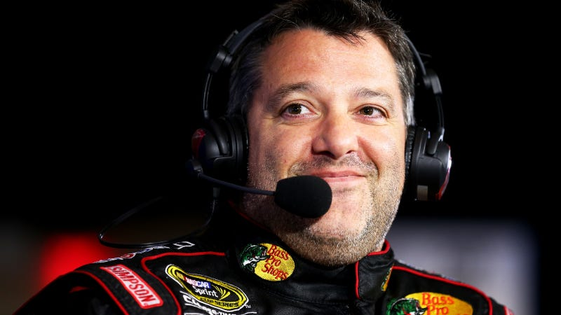 Illustration for article titled The Scale Is Not Tony Stewart's Friend; Weigh-In Mess Causes Black Flag
