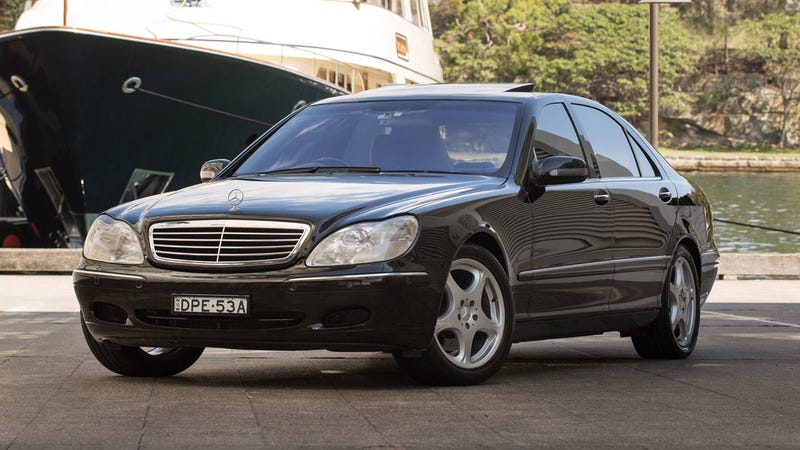 Illustration for article titled Here's Your Chance To Buy Russell Crowe's 2001 Mercedes-Benz S500
