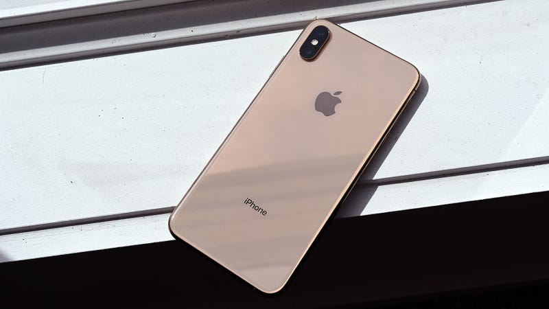 Is 2019 the year when Apple adds triple rear cams and reverse wireless charging to the iPhone?