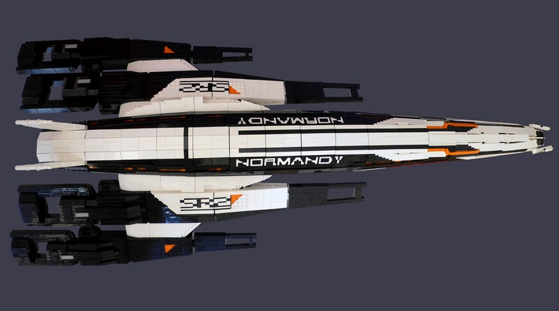 Illustration for article titled Massive Lego Mass Effect 2 Spaceship Is Massively Cool