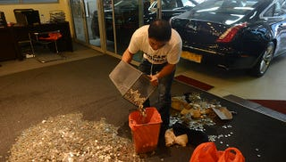 Illustration for article titled Singapore Man Pays Dealership $19,000 In Coins That Smelled Like Fish