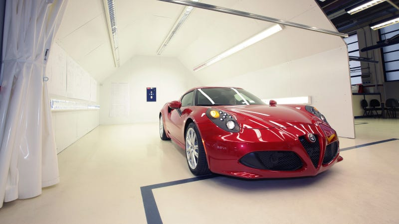 Illustration for article titled The Fourteen Coolest Facts About The Sexxxy Alfa Romeo 4C