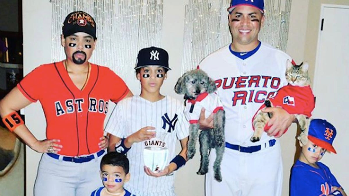 Carlos Beltran And His Family Dressed Up As Carlos Beltren