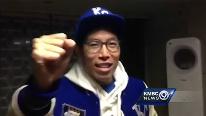 Illustration for article titled South Korea's Biggest Royals Fan Is Back For The World Series