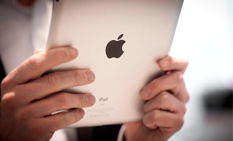 Illustration for article titled DOJ Wants to Force Apple to Let You Buy E-Books Directly from Amazon