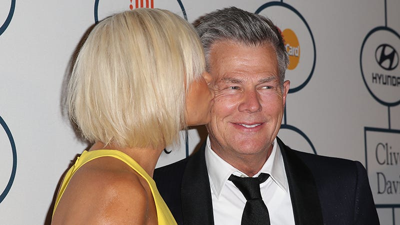 Illustration for article titled David Foster Apparently Thinks Yolanda Is 'Exaggerating' the Whole Lyme Disease Thing