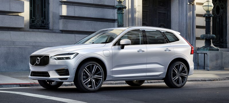 Illustration for article titled The 2018 Volvo XC60 Will Have You Chilling In Suburbia In Style