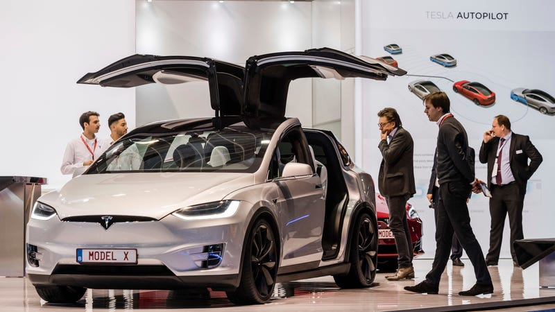 Tesla Cuts Price Of Model X 75D By $3,000 As Model 3 Production Ramps Up