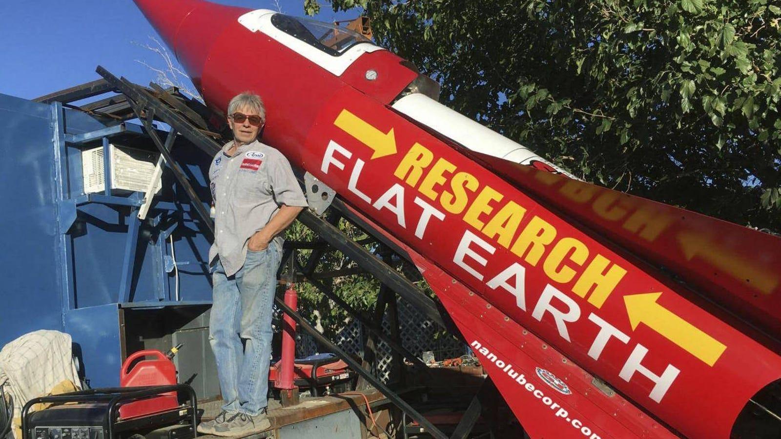 Este hombre despegará en un cohete casero fabricado por él mismo para demostrar que la Tierra es plana