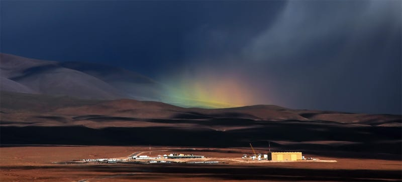 Illustration for article titled This Rare Rainbow Appeared Over the Desert At 9,500 Feet Above Sea Level