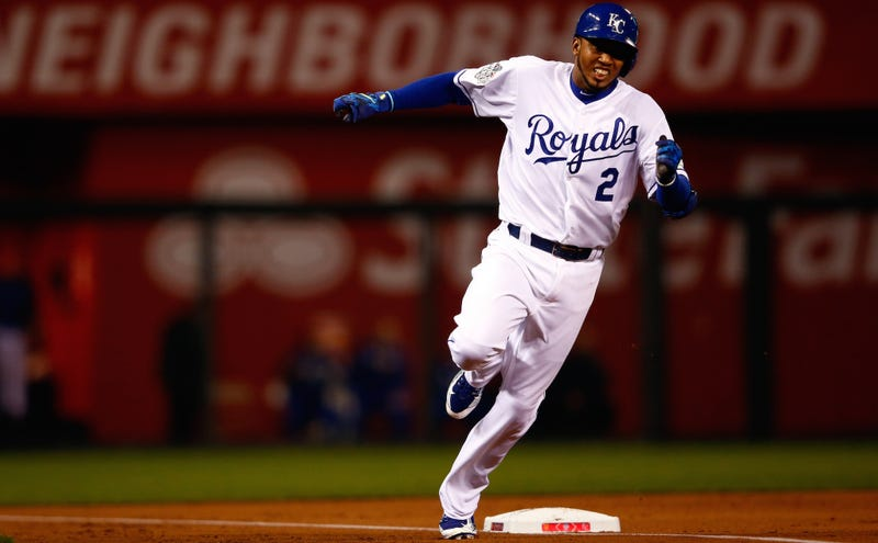 Illustration for article titled Alcides Escobar Hits First Pitch, Leadoff Inside-The-Park Homer