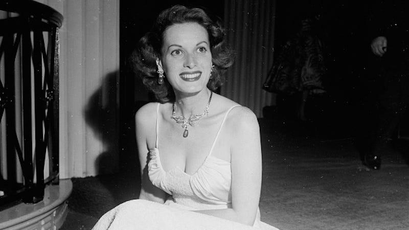 Illustration for article titled Hollywood Actress Maureen O' Hara Dies At Age 95