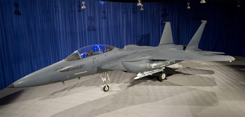 Illustration for article titled Boeing Reveals F-15 Silent Eagle With More Stealth Ability For Flying The Unfriendly Skies