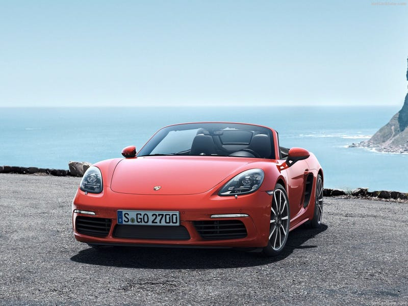 Illustration for article titled Pics of the new 718 Boxster