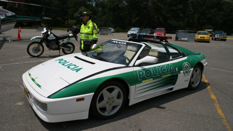 Illustration for article titled Drug Kingpin's Ferrari Convertible Now Colombian Police Car