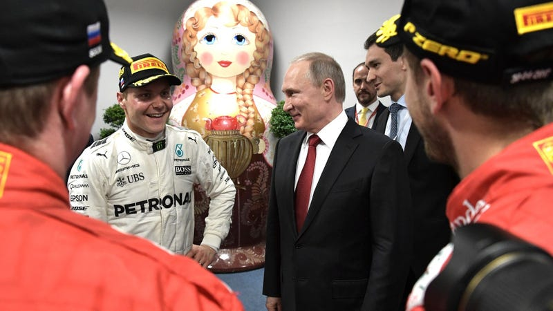 Illustration for article titled Valtteri Bottas Takes Pole Position at Sochi for a Mercedes Front Row Lockout