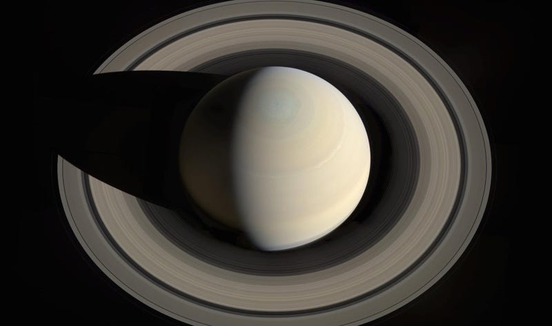 Illustration for article titled An Optical Illusion Has Been Tricking Everyone About the Size of Saturn's Rings for Centuries